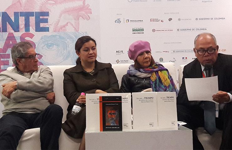 Presentación de la obra póstuma Crónicas Amargas - Semanario Voz